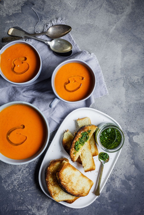 Classic Roasted Tomato & Sweet Pepper Soup