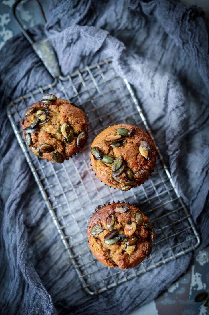 vegan muffins, pumpkin spice muffins, vegan dessert