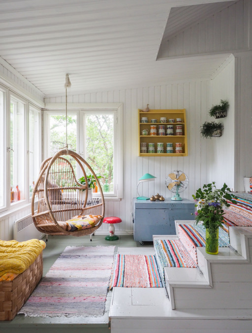 Vintage Treasures: Thrifting & Decorating Their Country House in West Finland