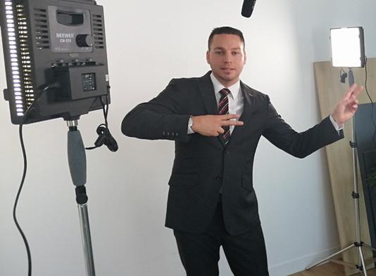 "{Corporate} OFFRE SPECIALE ""Message Face caméra"""