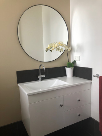 Contemporary vanity and mirror