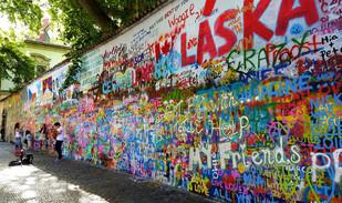 John Lennon Mauer Prag.jpg