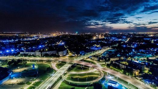 Riga Luftbild Nacht.jpg