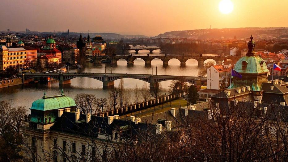 Prag Panorama Sonnenuntergang.jpg