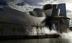 Bilbao Museum Ria.jpg