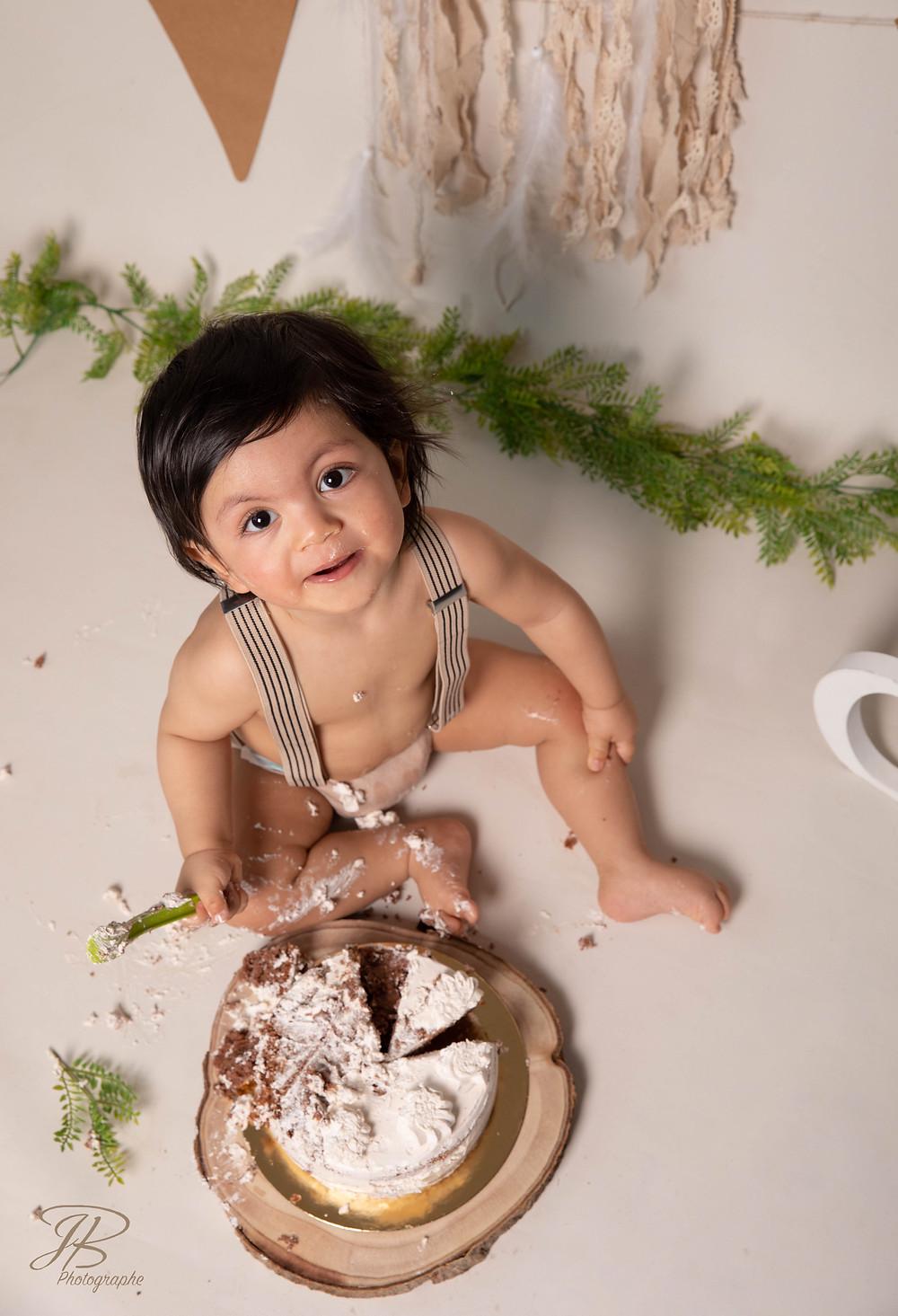 séance photo gâteau bébé photographe nature isere grenoble bourgoin izeaux saint marcellin valence romans