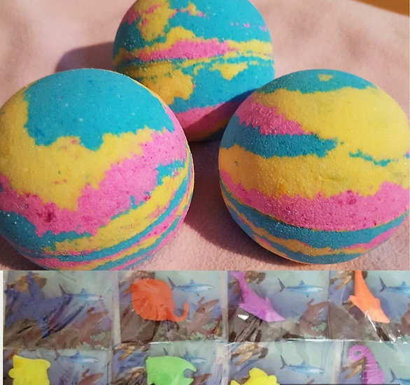 Hidden Treasure Bath Bomb - Sea Creature Inside which grows 600% of its size