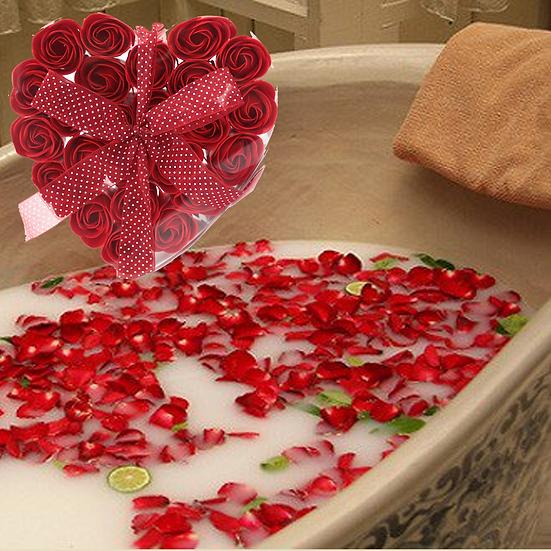 1x Set of 24 Soap Flower Heart Box - Roses