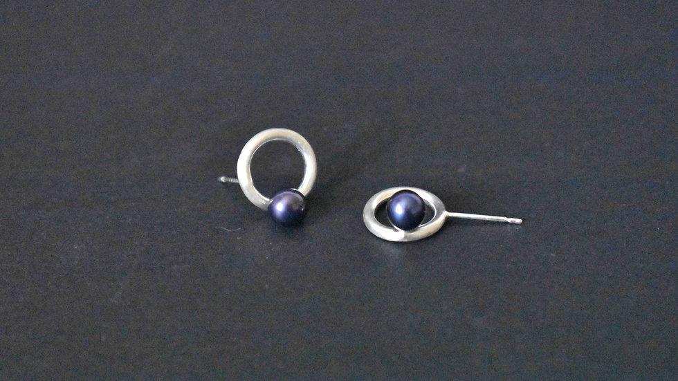Small Doughnut Pearl Earrings
