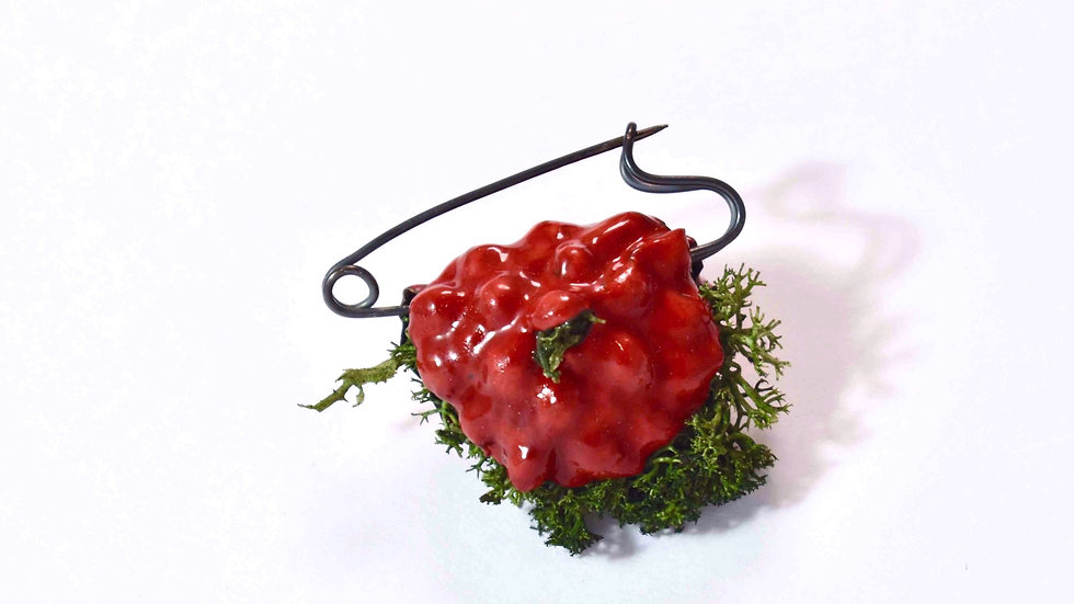 Egg Waffle Brooch -Red