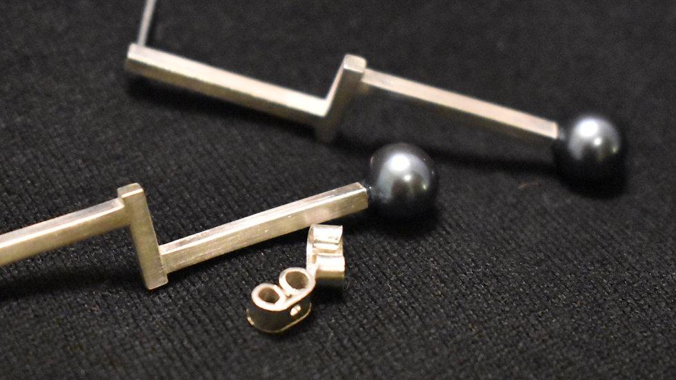 Pearl (Zyu1) Earring 1