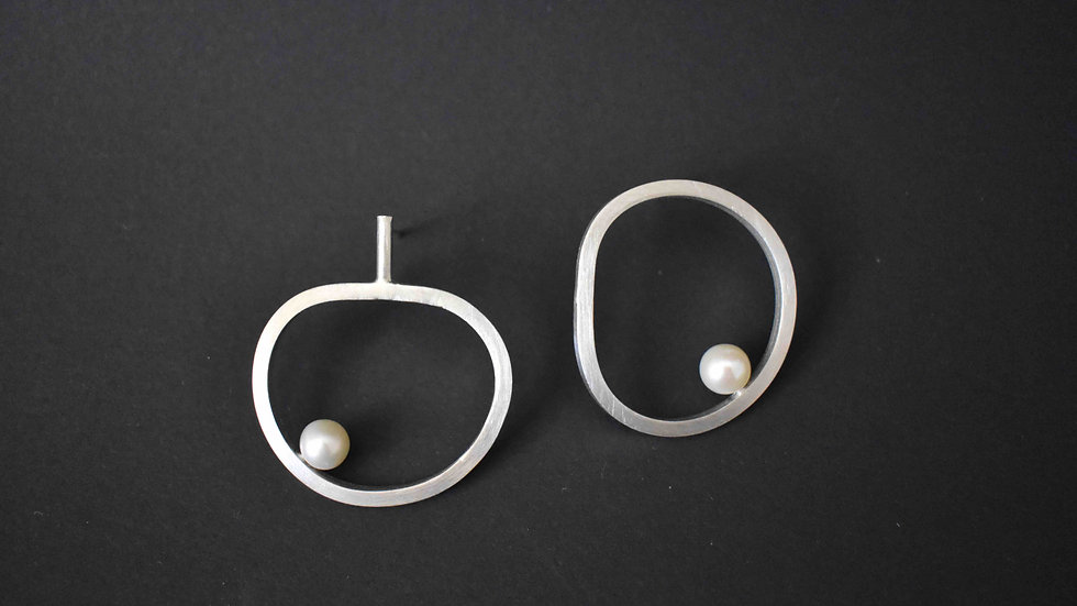 Apple Pearl Earrings
