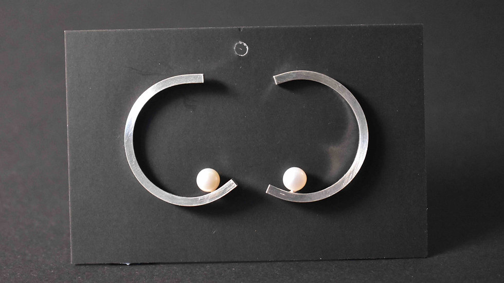 Pearl Moon Earring 2 (Pearl Bottom)