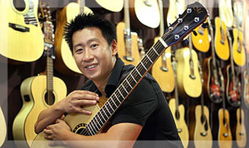 Hozen of Maestro Guitars Singapore