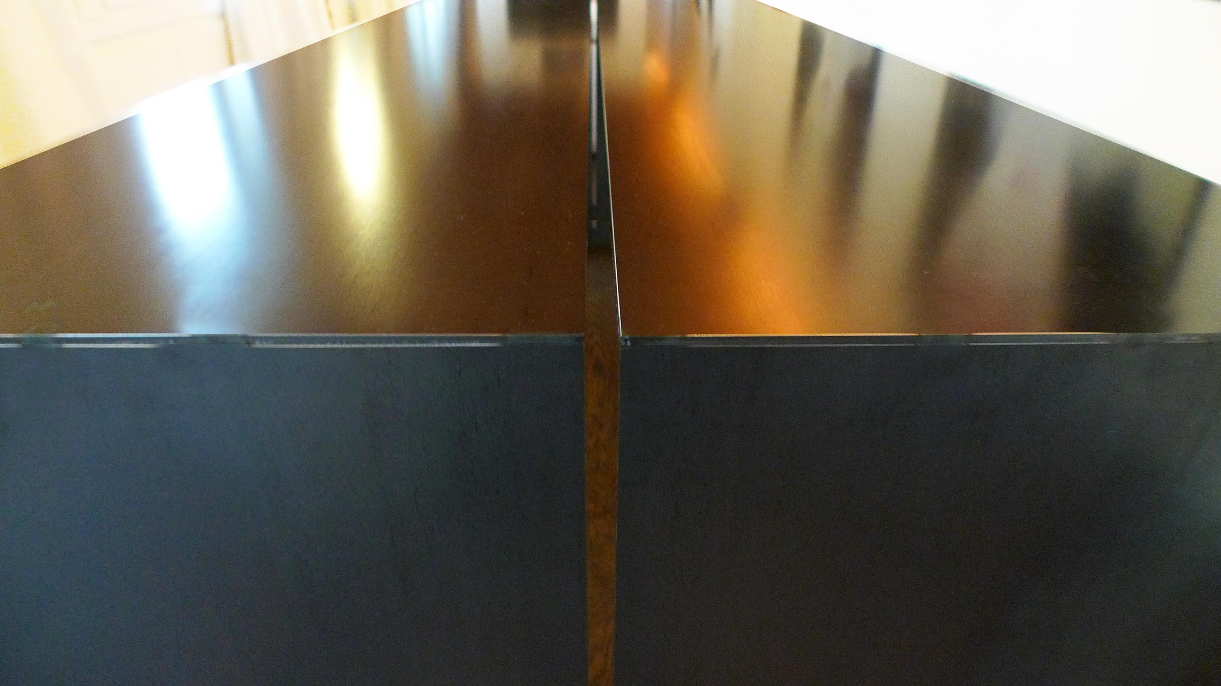 LIPS TABLE