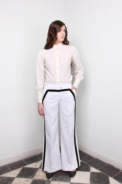 Pantalón sarga blanco cinta negra terciopelo