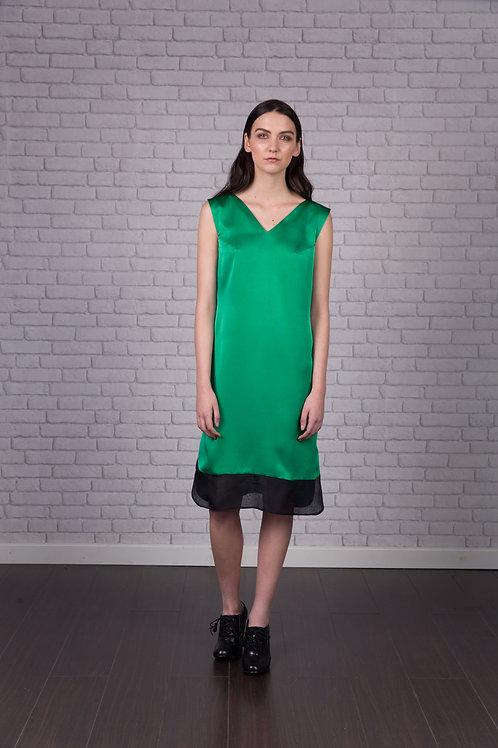 Vestido satén verde con bajo negro