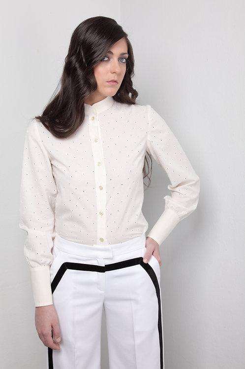 Camisa marfil de batista perforada en circulos