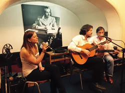 Trio musical: Carina, Diego y René