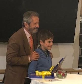 Jose Goni entrega a Pablo Catepillan edi