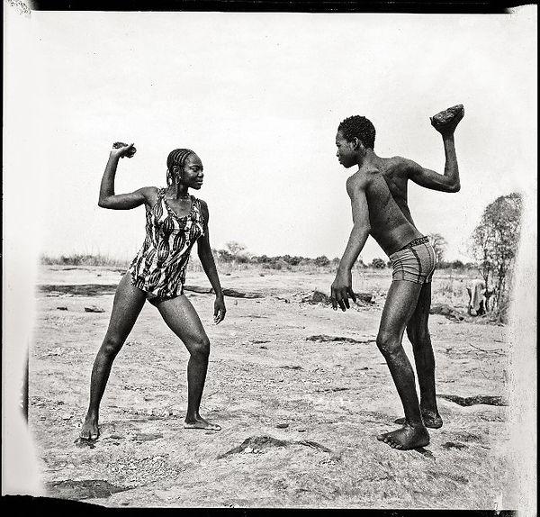 Malick_Sidibé,_Combat_des_amis_avec_pier