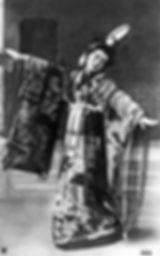 Sadayakko_Musume_Dojoji_1907.jpg