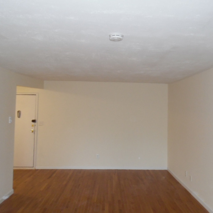 16 Living Roomb.jpg