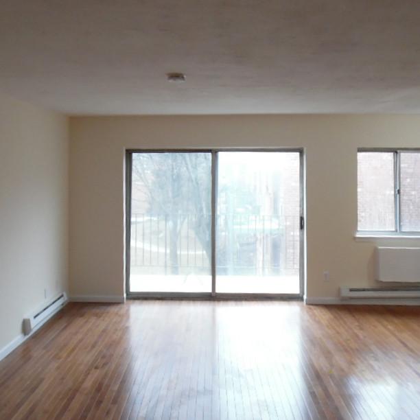 10 Living Roomb.jpg