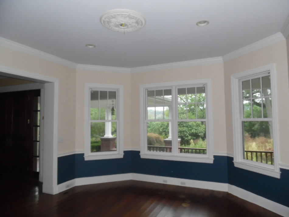 5 Front Left Living Roomb.jpg