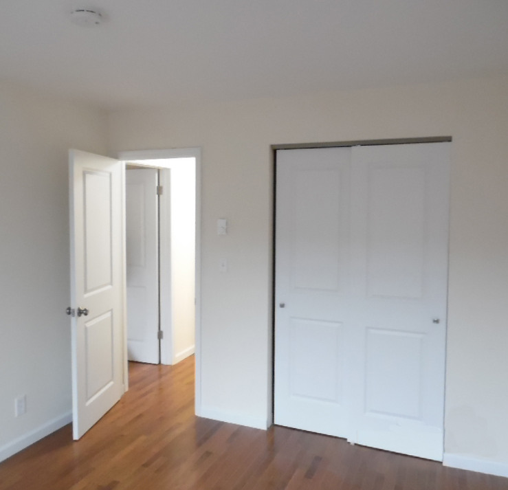 8 Bedroomb.jpg