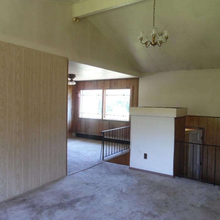 3 1356 Islip Before Living Roomb.jpg