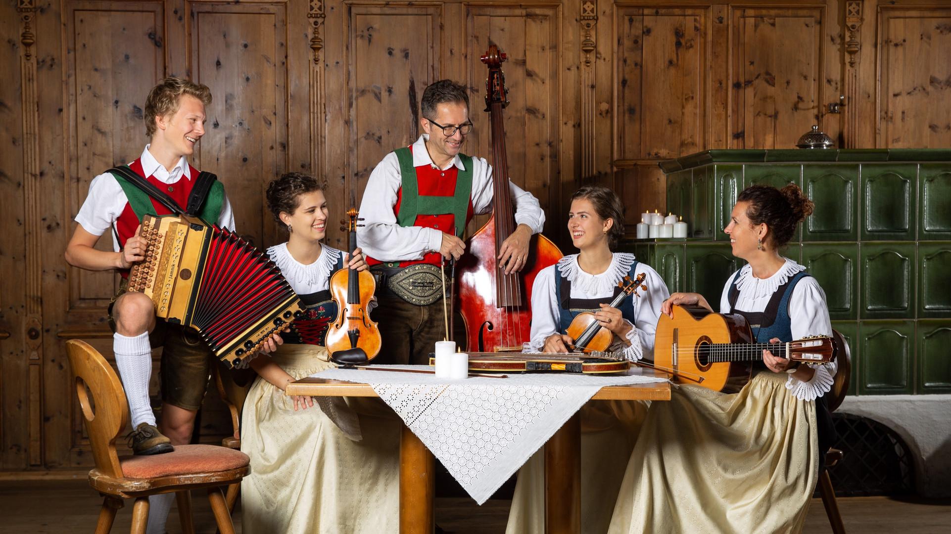 Waldauf_Familienmusik_1.jpg