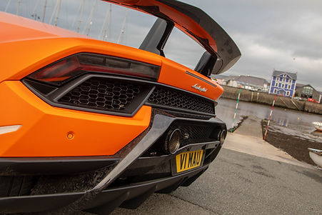 Lamborghini-14.jpg