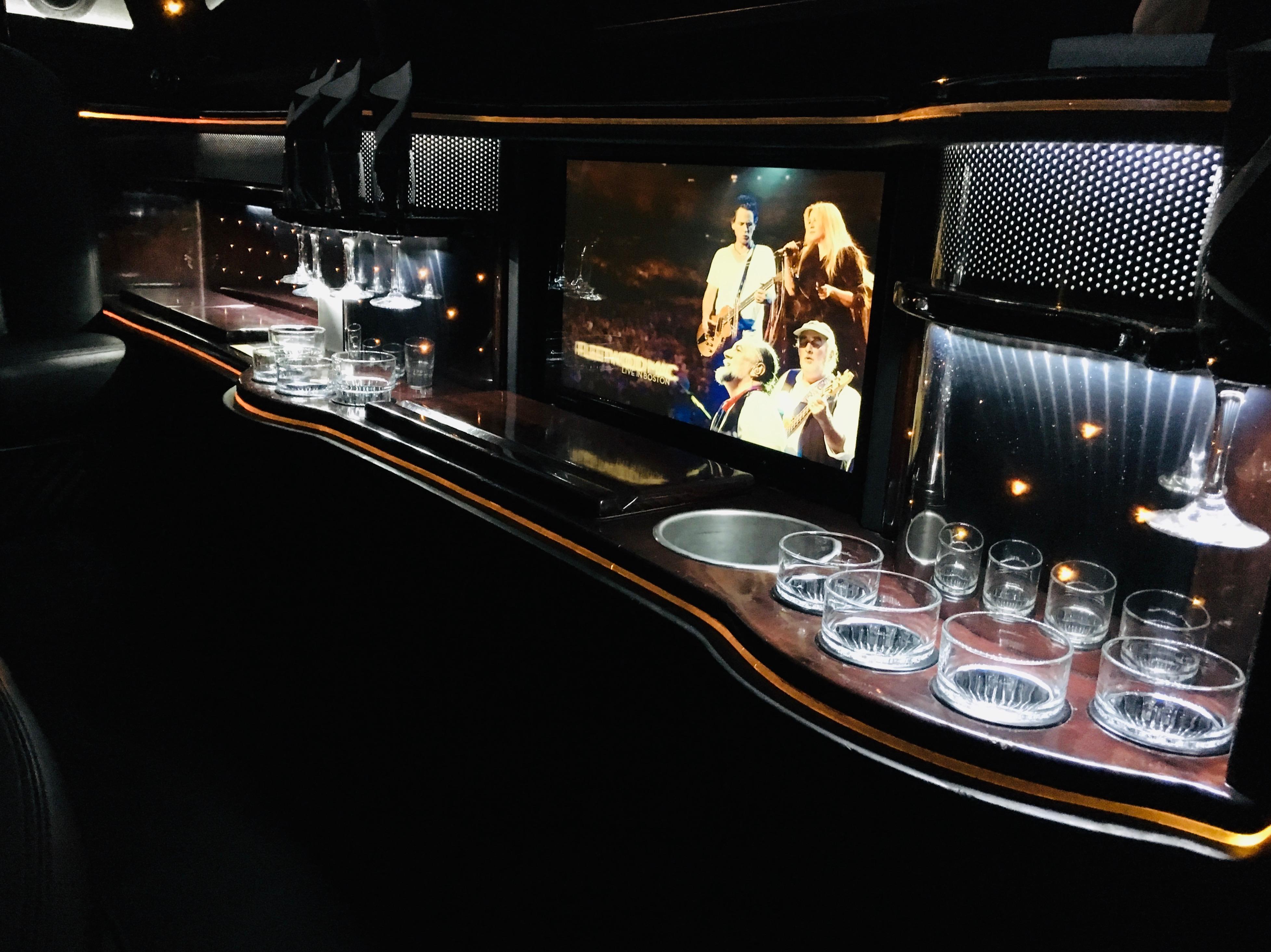 Blk Lincoln MKT 10 passenger interior ba