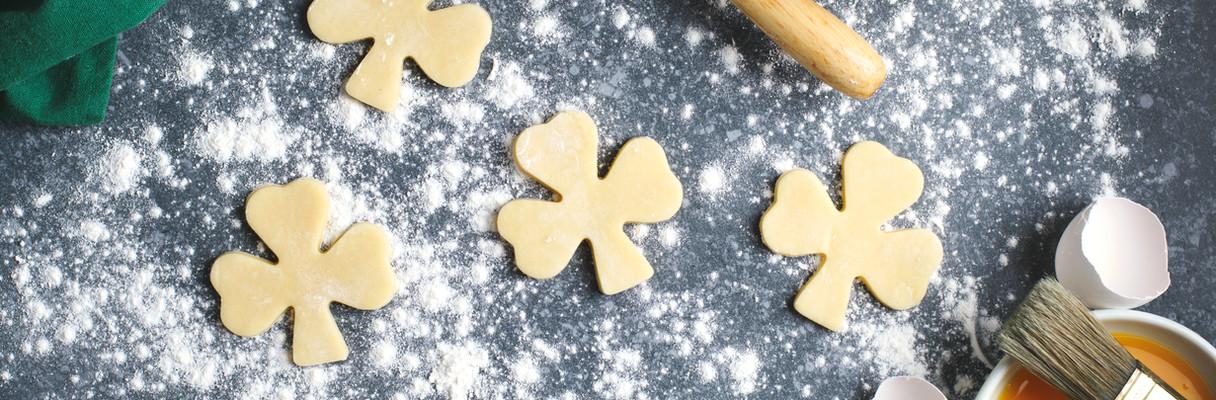 Make Clover Cookies