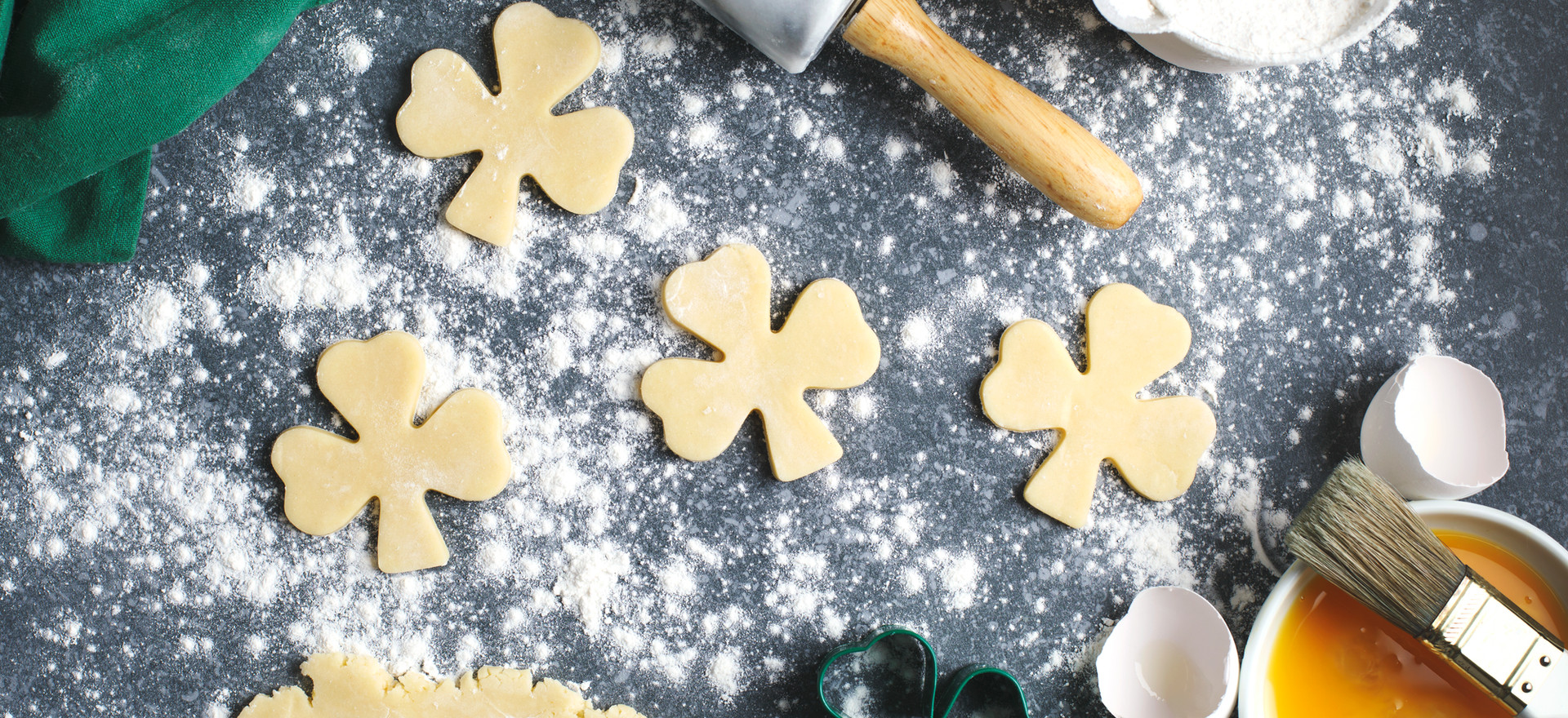 Make Clover Cookies