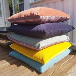Big Pillow Bed III