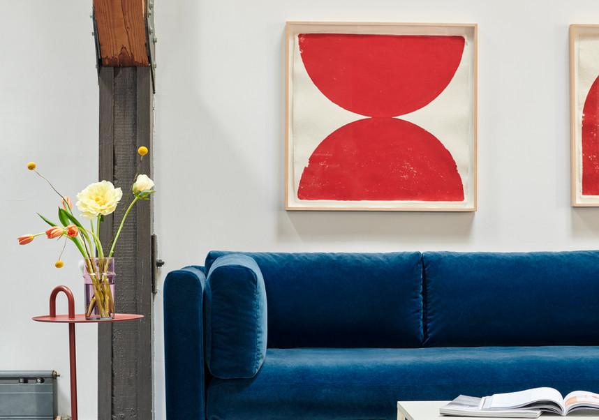 Hackney Sofa Lola navy_Bowler tile red_E