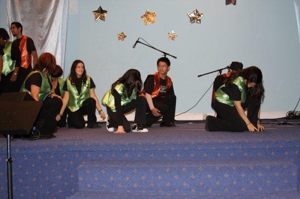DEAF PEOPLE DANCING PRAISES