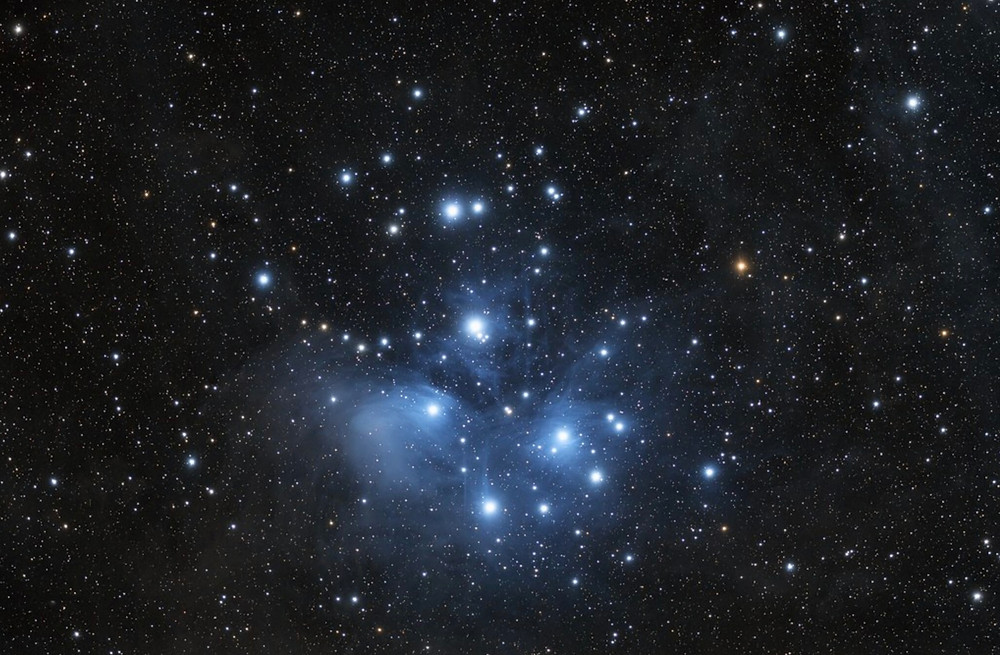 The Pleiades Star Cluster (M45) taken with the Explore Scientific 80mm telescope - Wide field DSLR Astrophotography
