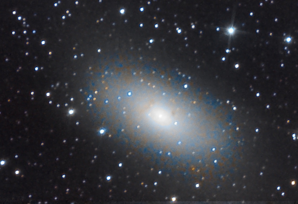 Messier 110 astrophotography with a DSLR camera