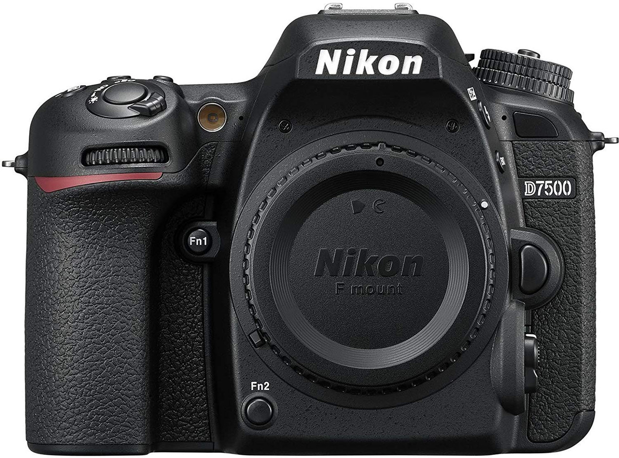 Nikon D7500 DSLR Camera for beginner Astrophotographers, affordable camera for amateur astrophotography. How to photograph the Milky Way and deep sky objects with a DSLR camera