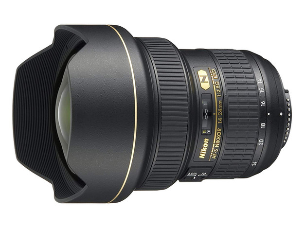 Nikon 14-24mm f/2.8L G ED DSLR Camera lens for beginner Astrophotographers, affordable wide angle lens for amateur astrophotography. How to photograph the Milky Way and deep sky objects with a DSLR camera