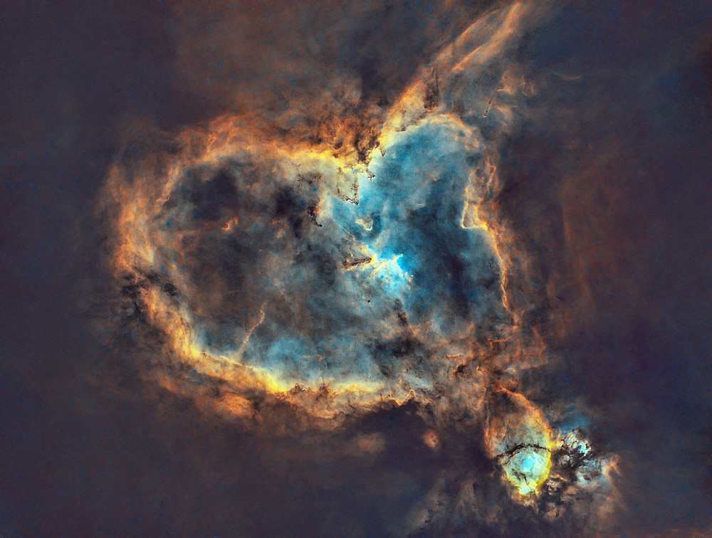 The Heart Nebula astrophotography starless with Starnet++ on PixInsight