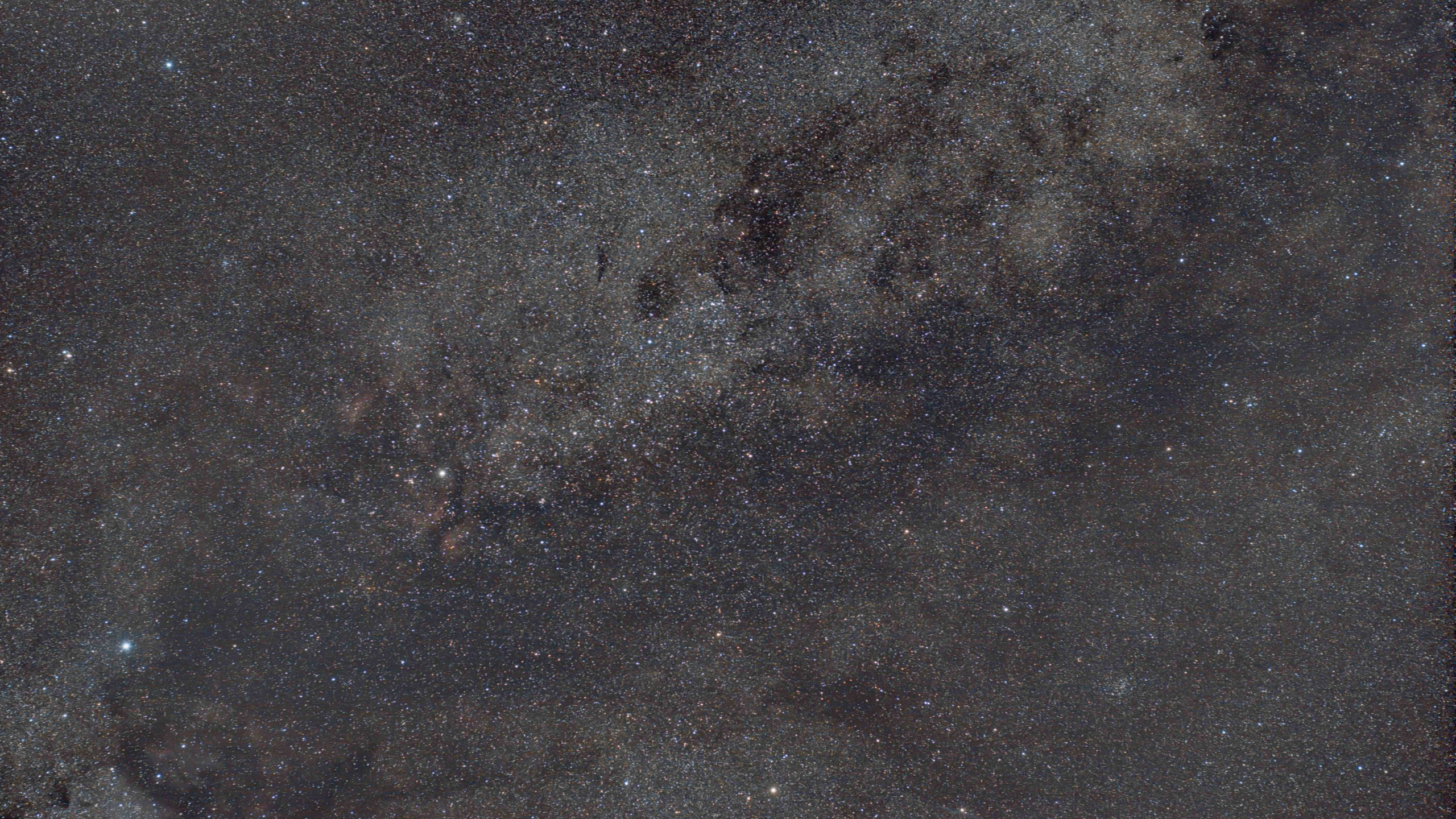 Cygnus DSLR wide field Astrophotography with the Omegon Mini Track LX2 by turning the knob. Deep sky imaging from Nevada