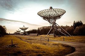 radio-telescope-2152379_1920.jpg
