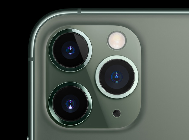 iPhone 11 Pro triple camera and night time photography and astrophotography with a mobile device