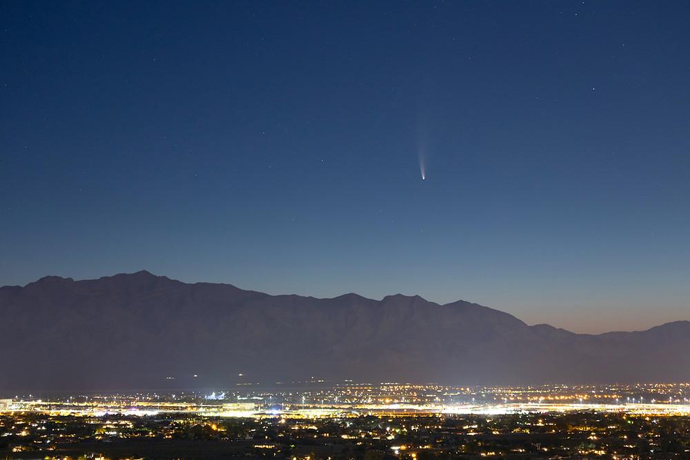 Comet C/2020 NEOWISE F3 rising over Las Vegas, NV