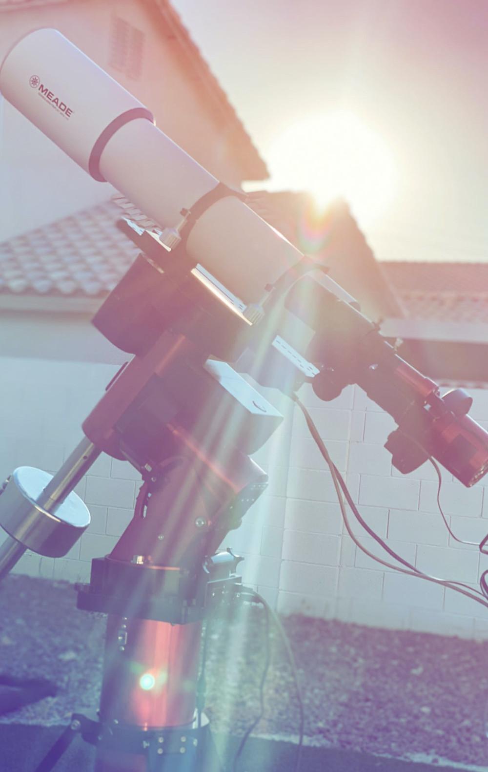 refractor telescope and MyT mount backyard