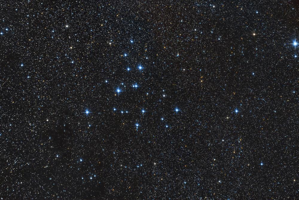Messier 37, open cluster in tM39, Amas d'Étoiles Ouvert dans la constellation du Cygne